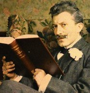 groom-reading